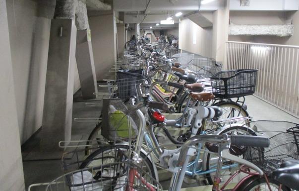 伊勢丹立川駐輪場の様子