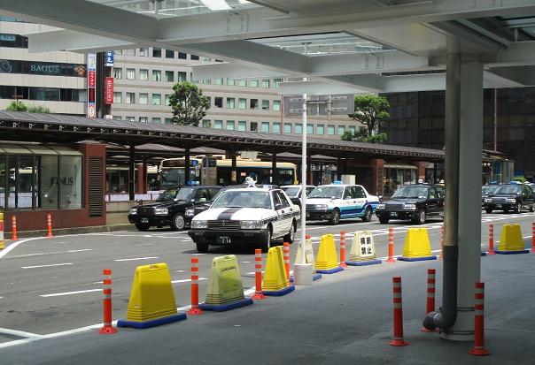 横浜駅西口タクシープール