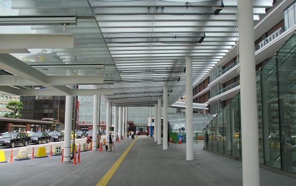 横浜駅西口ロータリー