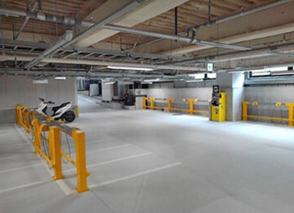 JR鶴屋町バイク駐輪場内部