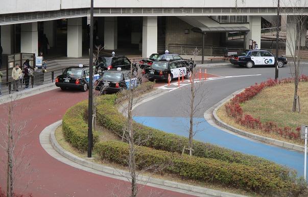 新百合ヶ丘(南口)タクシープール